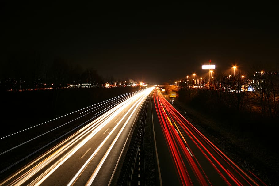 long-exposure-autos-highway-traffic